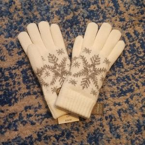 FREE with bundle, Soft Snowflake Gloves 🌟